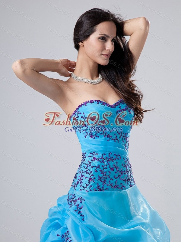 Embroidery and Beading Ball Gown Sweetheart Organza Floor-length Quinceanera Dress