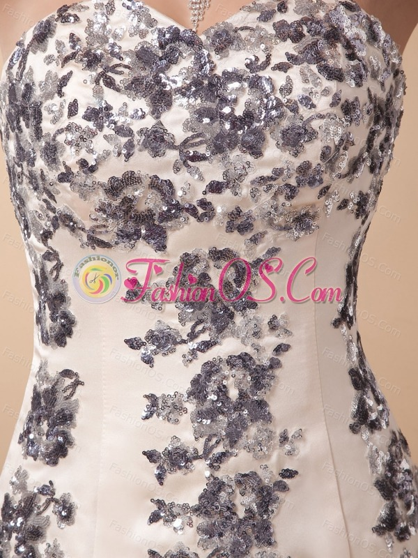 Mermaid Prom Dress With Appliques Sweetheart and Brush Train