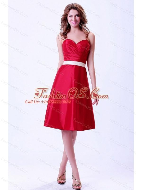 Wine Red Sweetheart Bridemaid Dress With White Belt Knee-length Taffeta