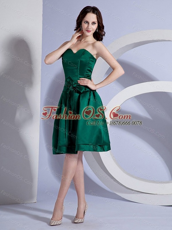 Bow Decorate Bodice Simple Green Taffeta Knee-length Bridemaid Dress