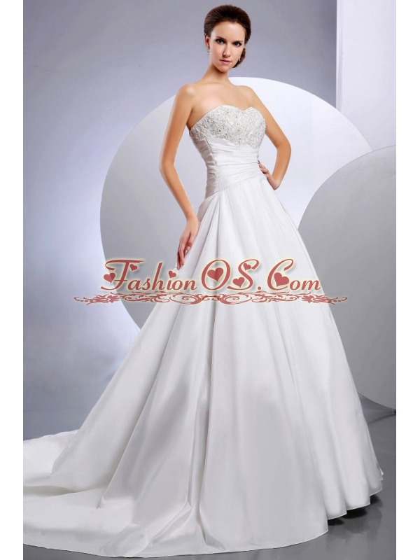 2013 New Arrival Wedding Dress With Appliques and Ruching A-line Chapel Train