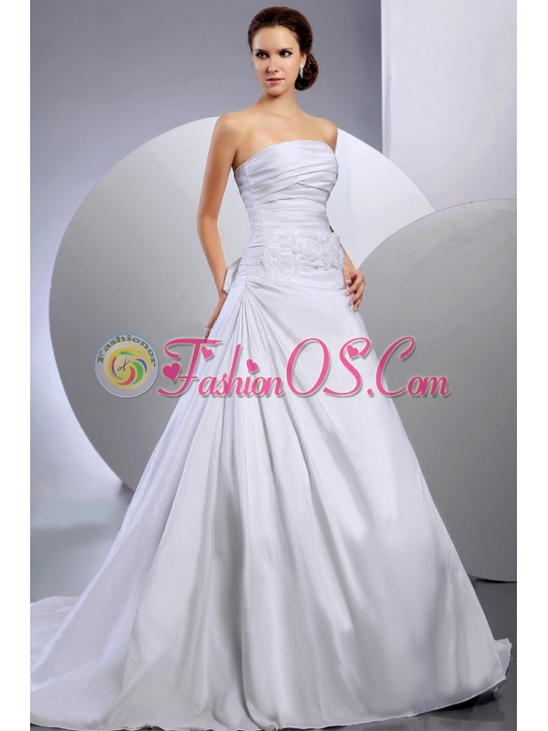 2013 Wedding Dress With Appliques and Ruching A-line Court Train