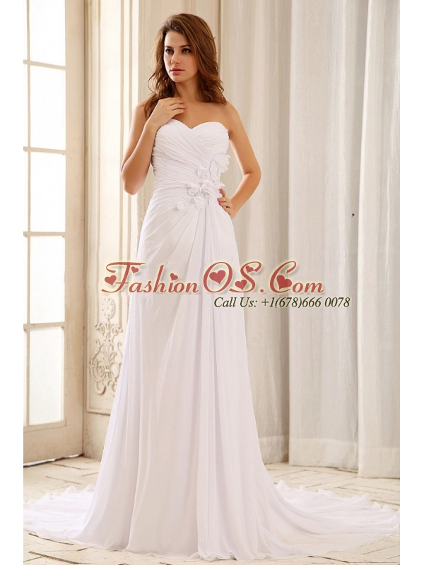 Beautiful 2013 Wedding Dress Hand Made Flowers and Ruched Bodice Sweetheart