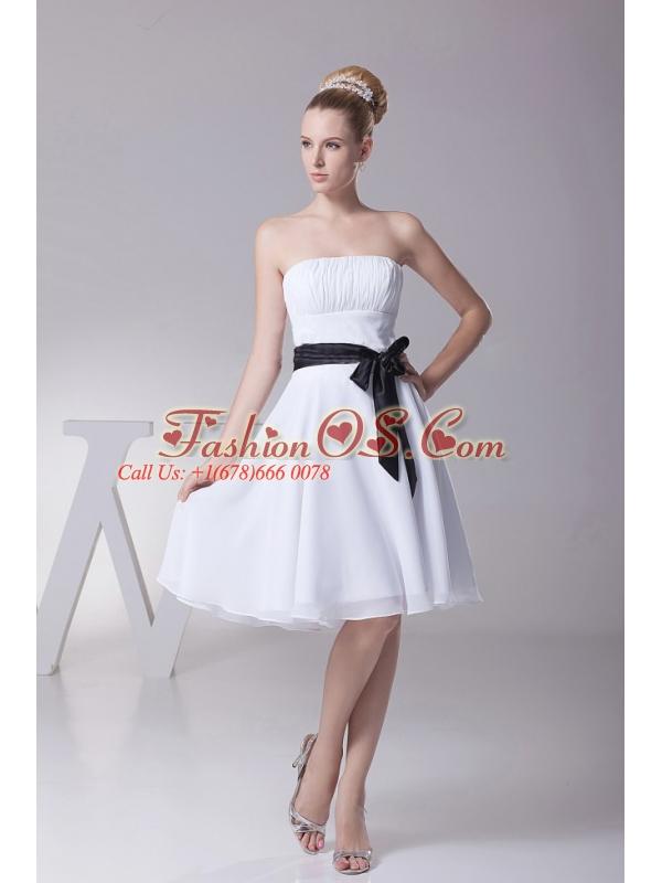 Black Sashes/Ribbons Strapless Chiffon White A-Line Knee-length Bridesmaid Dress