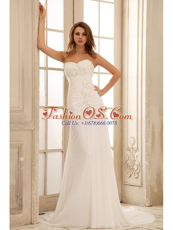 Custom Made 2013 Sweetheart Beach Wedding Dress With Hand Made Flowers and Ruched Bodice Applqiues