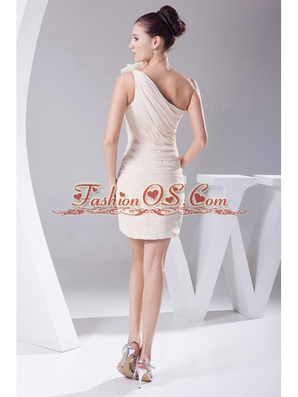 Hand Made Flower and Ruching Decorate Bodice Mini-length Champagne Chiffon Mini-length 2013 Prom Dress