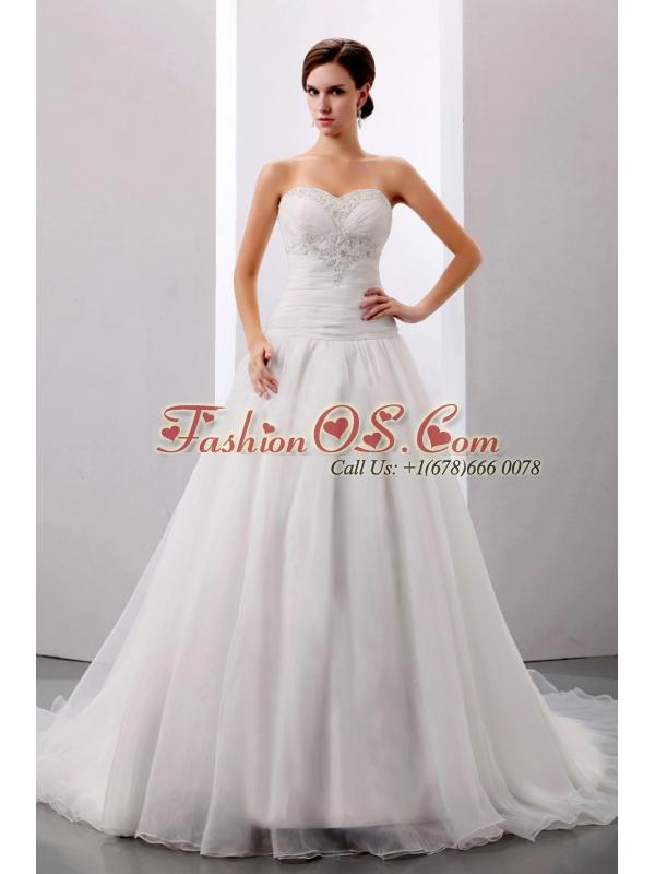 2013 Custom Made Wedding Dress With Sweetheart Appliques A-line Chapel Train