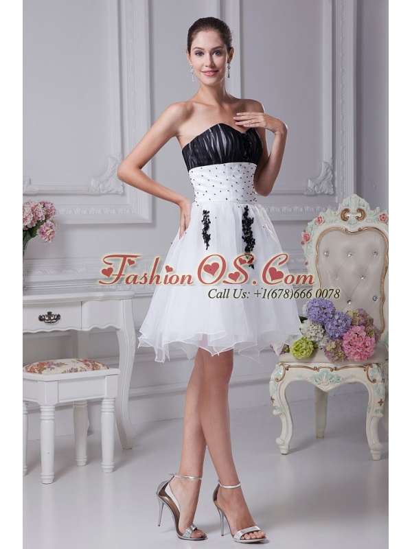 Beading and Appliques Decorate Ruching Organza 2013 Prom Dress Knee-length