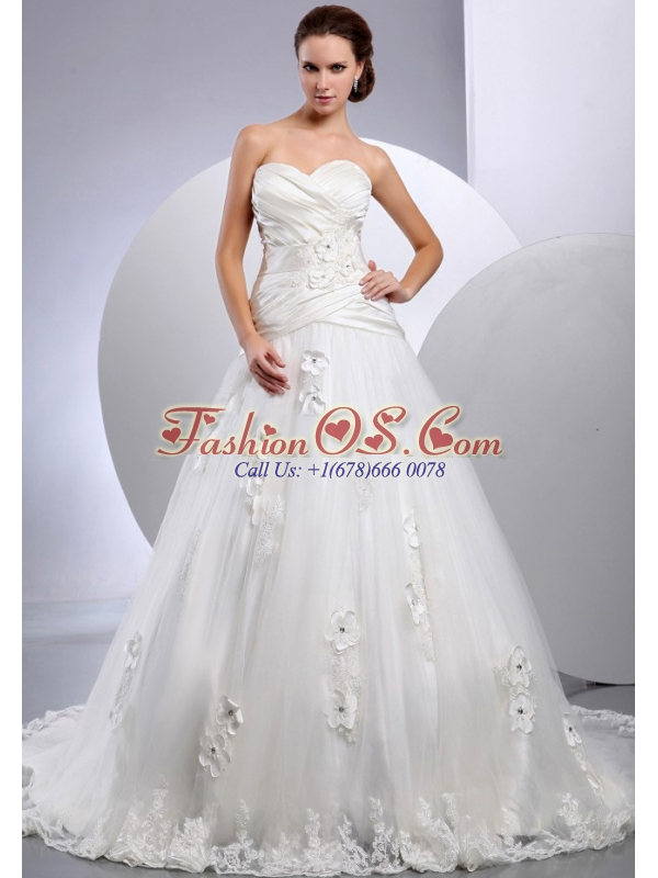 Best A-line Sweetheart 2013 Wedding Gowns With Appliques and Ruch