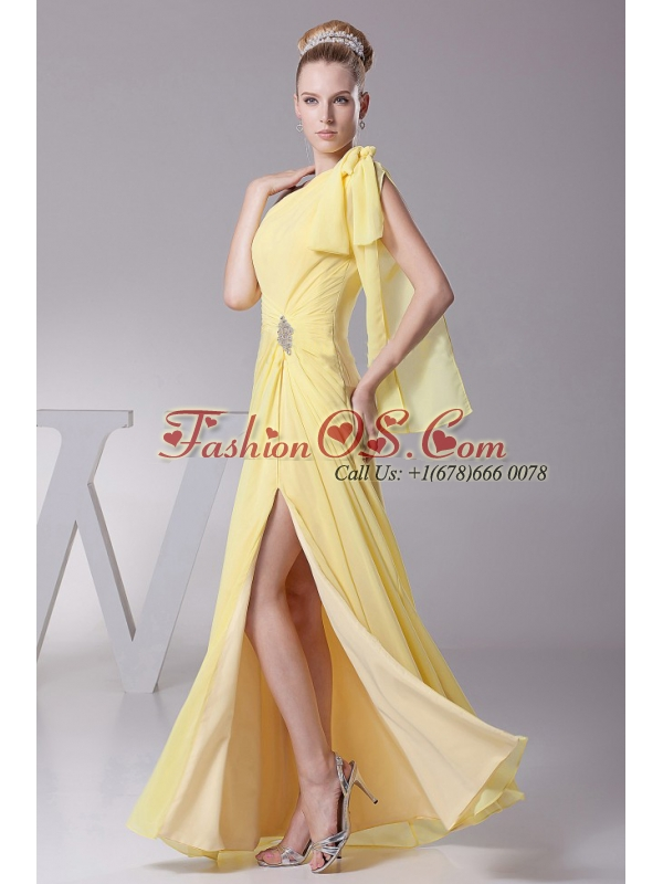 Light Yellow One Shoulder and High Silt For Prom Dress