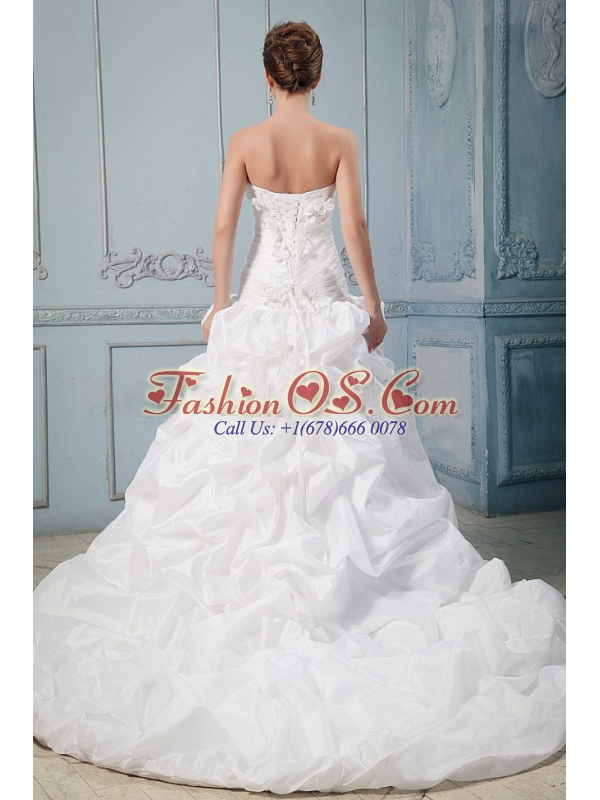 Modest Hand Made Flowers and Pick-ups Wedding Gowns With Appliques In Wedding Party