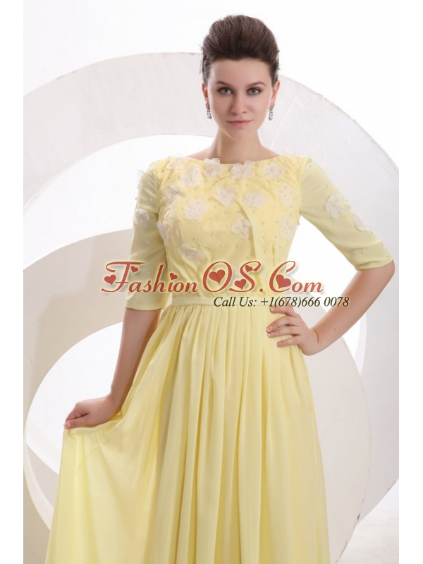 Light Yellow Empire Bateau Appliques with Beading Short Sleeves Prom Dress
