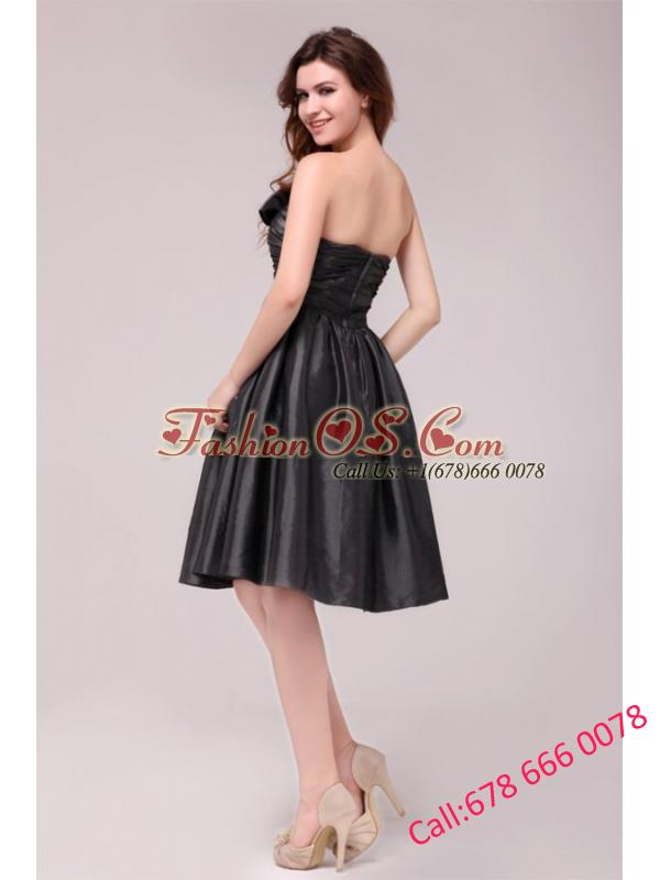Black Sweetheart Ruching Taffeta Knee-length Prom Dress