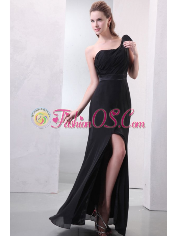 One Shoulder Black Ruche and Silt Chiffon Prom Dress in Full Length