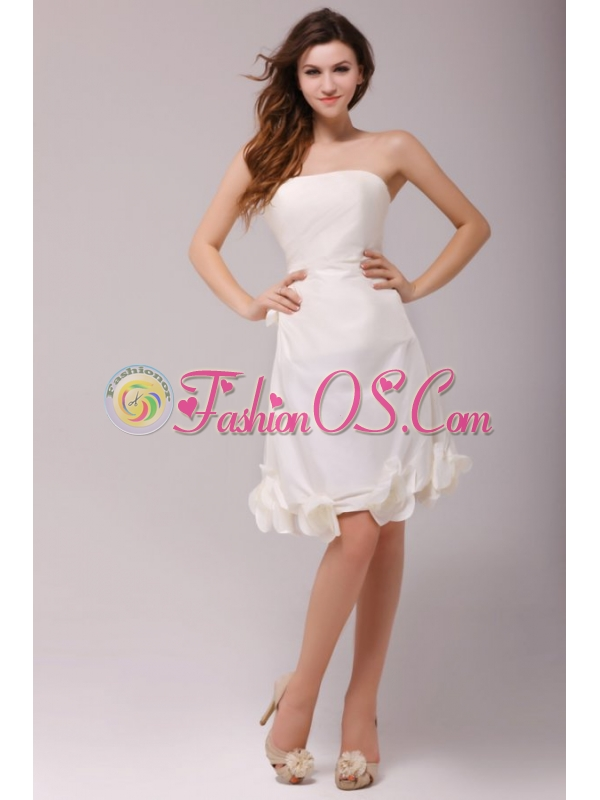 A-line Strapless Ruching Taffeta Knee-length Wedding Dress