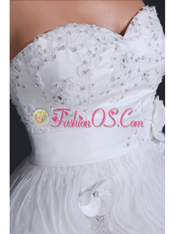 Sweetheart Short Mini-length Wedding Dress with Appliques and Ruffles