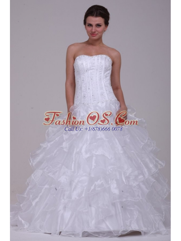 Luxurious Ball Gown Sweetheart Floor-length Beading Organza Wedding Dress