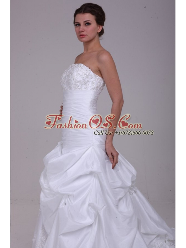 Princess Strapless Beading Taffeta Wedding Dress with Court Train