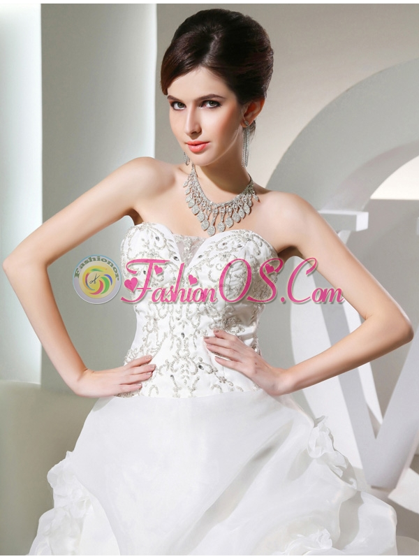 Puffy Sweetheart Pick-ups and Appliques Wedding Dress with Chapel Train