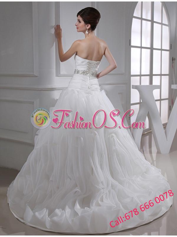 2014 Beautiful A-line Sweetheart Beading and Appliques Wedding Dress in White