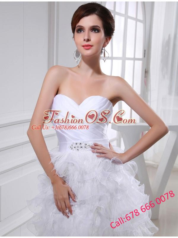 2014Beautiful A-line Sweetheart Organza Ruching Ruffles White Short Wedding Dress