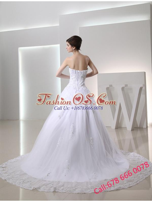 Beautiful Puffy Appliques Ruching Wedding Dress with Chapel Train