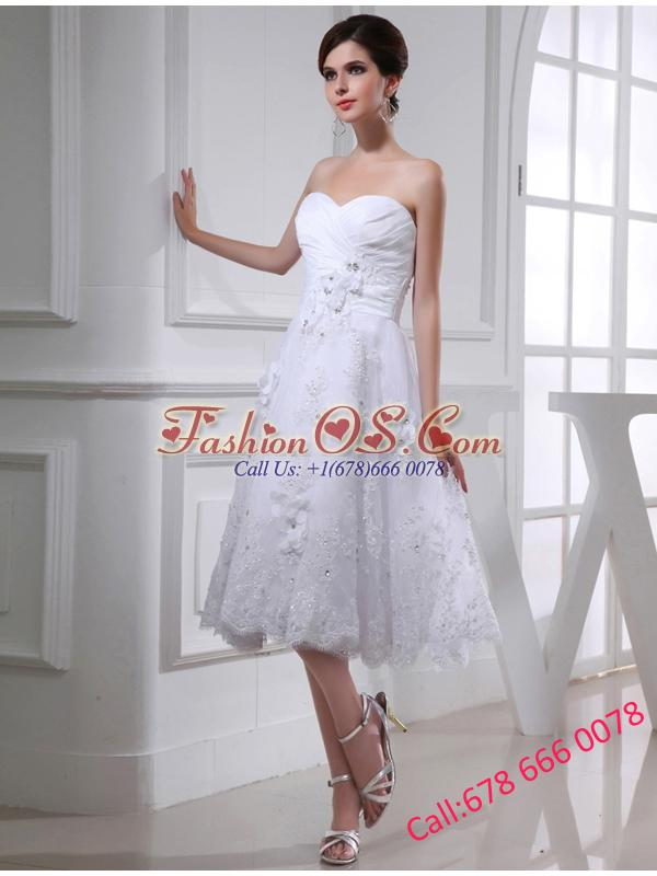 Discount A-line Sweetheart Tulle Appliques White Wedding Dress with Knee-length