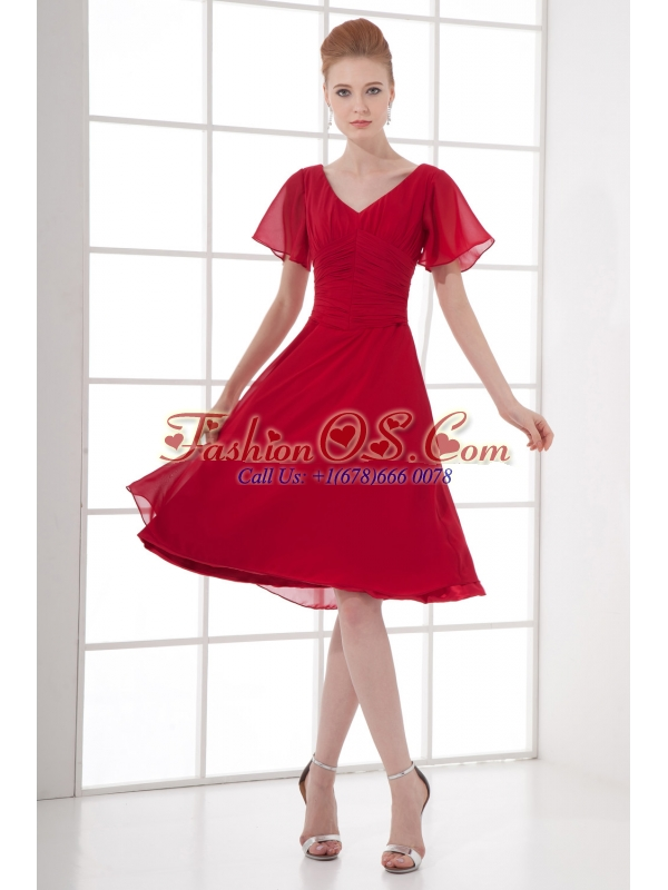 Wine Red Empire Ruching V-neck Short Sleeves Prom Dress