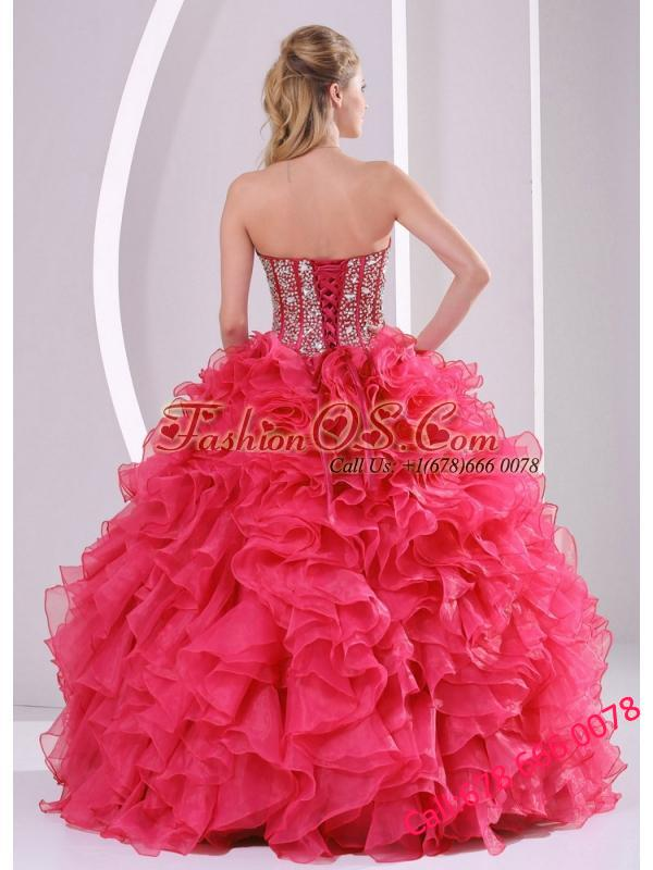 Red Ball Gown Sweetheart Ruffles and Beading Decorate Pretty Quinceanera Dresses in Sweet 16