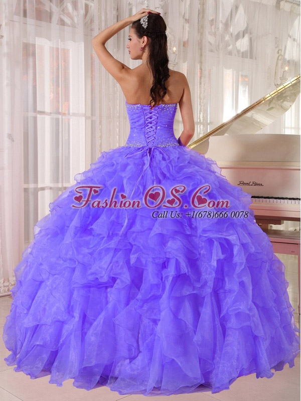 Luxurious Ball Gown Discount Quinceanera Dresses with Strapless Purple Organza Beading