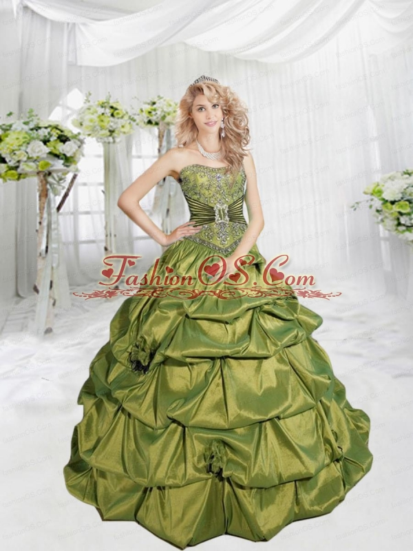 2015 Unique Beading and Hand Made Flower Quinceanera Dresses in Green