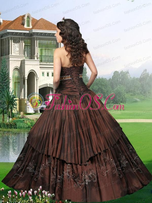 2015 Gorgeous Strapless Brown Quinceanera Dresses with Ruching and Embroidery