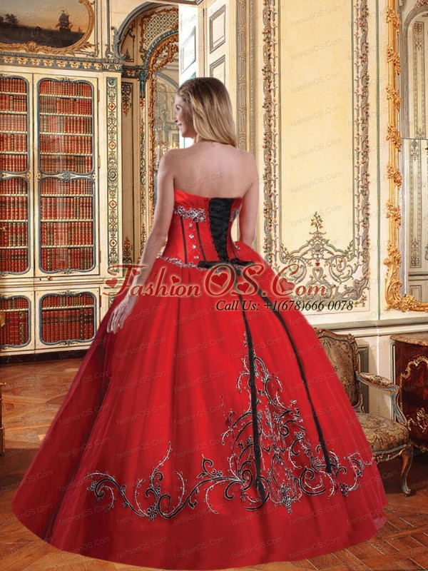 Beautiful Strapless Red Quinceanera Dress with Appliques and Ruffled Layers