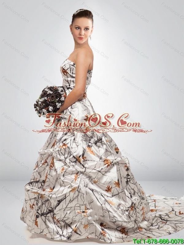 2015 Fashionable A Line Court Train New Wedding Dresses in Multi Color