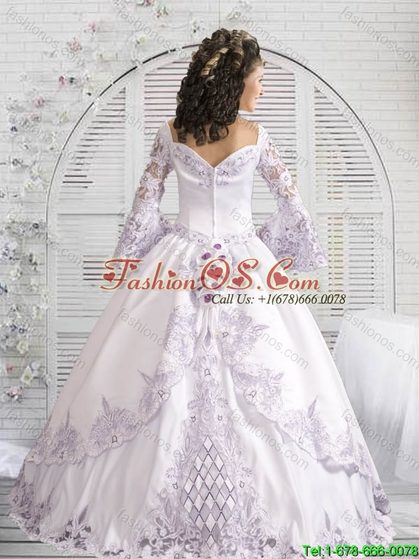 2016 Fashionable Laced Quinceanera Gowns with Hand Made Flowers