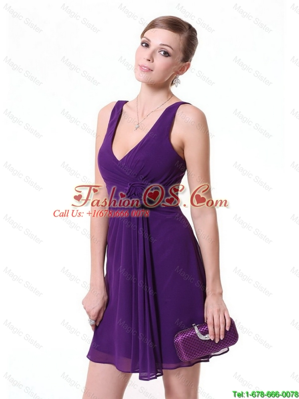 2015 Perfect Short V Neck Prom Dresses with Hand Made Flowers