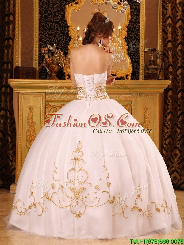2016 Fashionable Strapless Appliques Quinceanera Dresses in White