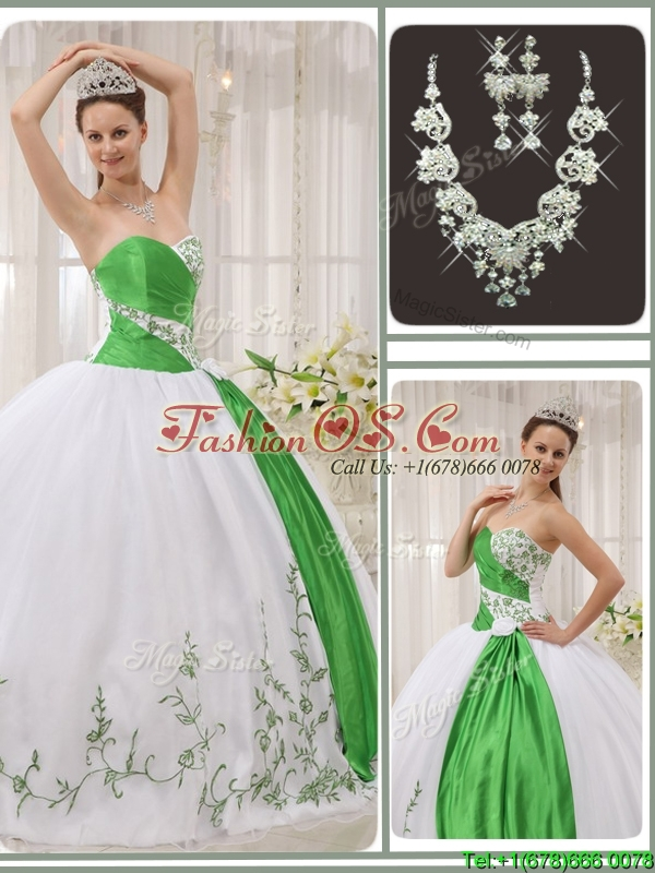 Pretty Sweetheart Quinceanera Dresses with Embroidery for 2016