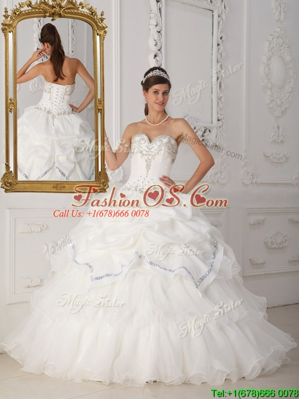 Discount Beading Sweetheart Quinceanera Dresses in White