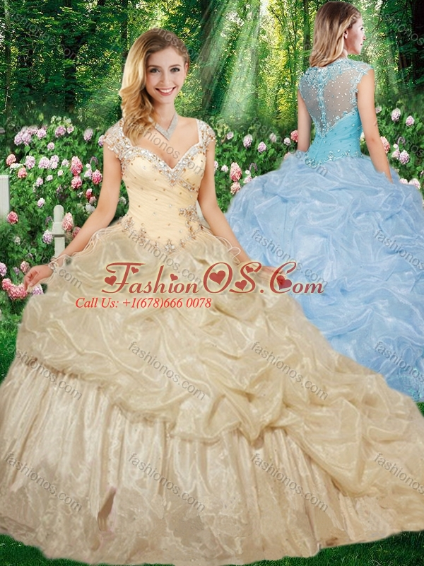 2016 Gorgeous Straps Brush Train Quinceanera Gowns with Beading