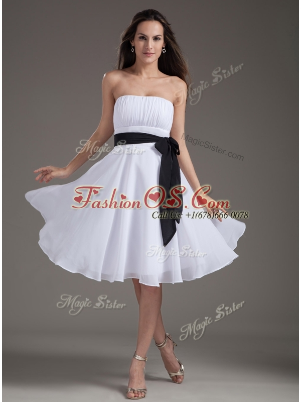 Elegant Strapless Sash White Short Dama Dress for Homec
