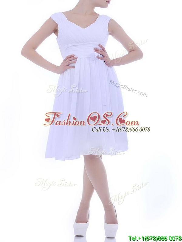 Beautiful V Neck Knee Length Chiffon Dama Dresses for Quinceanera with Bowknot
