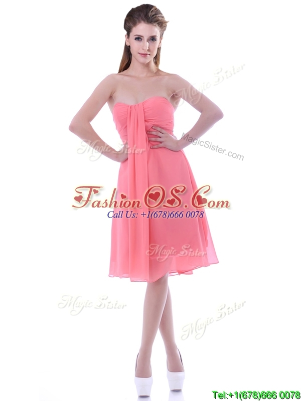 Popular Empire Chiffon Ruched Watermelon Dama Dresses for Quinceanera in Knee Length