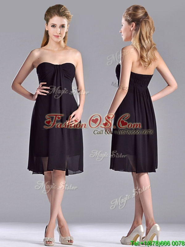 Cheap Empire Knee Length Black Dama Dresses for Quinceanera in Chiffon