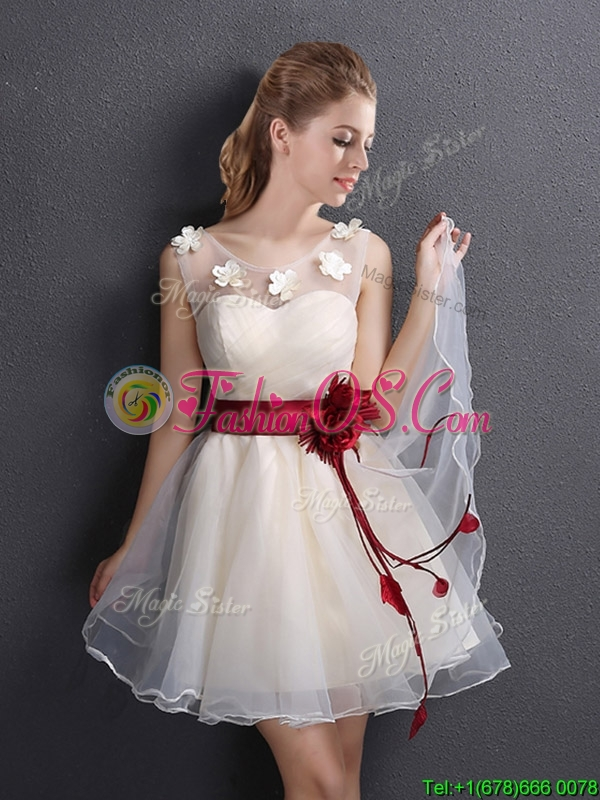 2017 Lovely See Through Scoop Champagne Prom Dress with Appliques