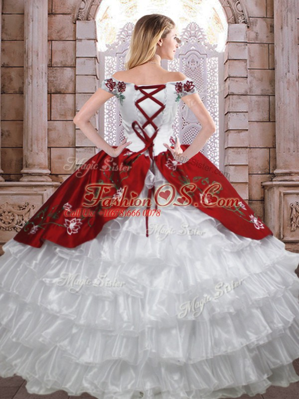 Inexpensive Off The Shoulder Sleeveless Lace Up Sweet 16 Dresses White And Red Taffeta