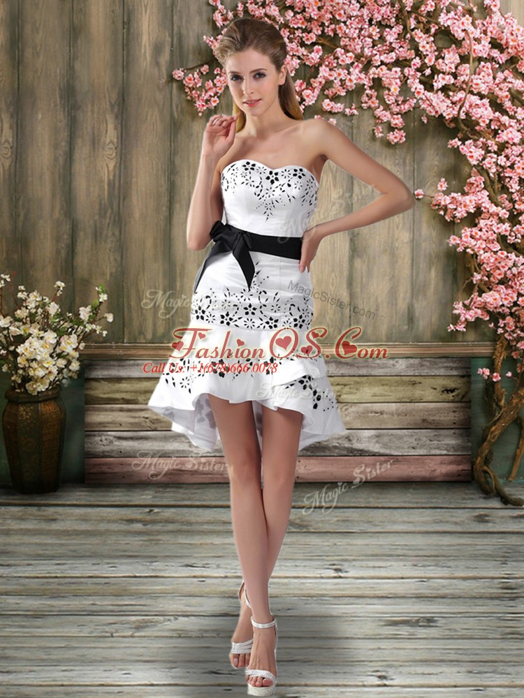Sleeveless Chiffon Mini Length Backless Wedding Dresses in White with Embroidery and Sashes ribbons