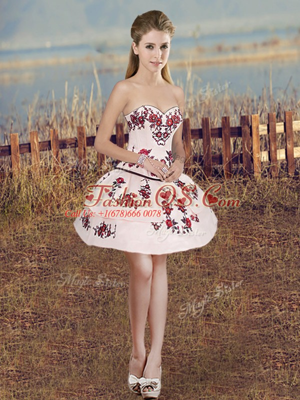 Designer White And Red Lace Up Sweetheart Embroidery and Ruffles and Bowknot Sweet 16 Dress Organza Sleeveless