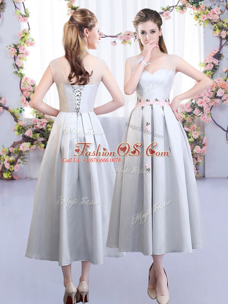 Noble Silver Sleeveless Tea Length Appliques Lace Up Dama Dress for Quinceanera