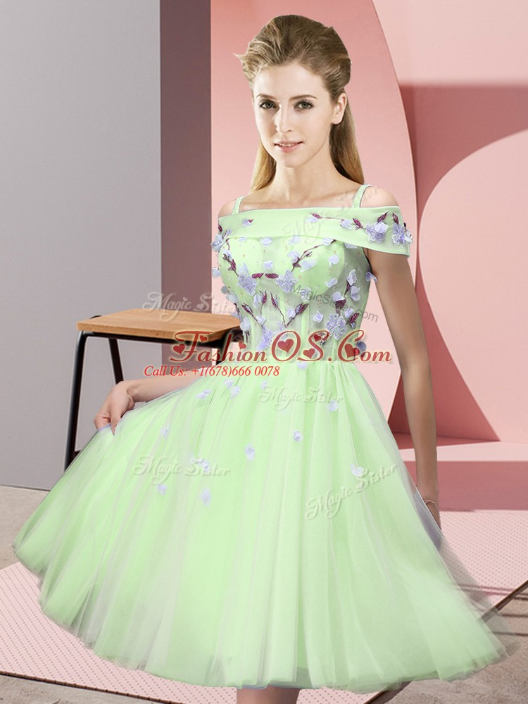 Tulle Short Sleeves Knee Length Wedding Party Dress and Appliques